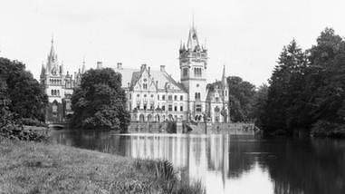 Kopice i pałac Schaffgotschów (Schloss Koppitz&Schloss Schwarzengrund) w latach 30-tych XX wieku.