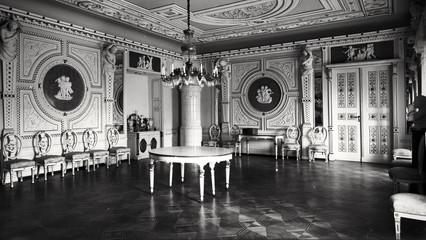 """To w tej sali 15 listopada 1908 roku świętowano """"Złote Wesele"""" Joanny i Hansa Ulricha."""