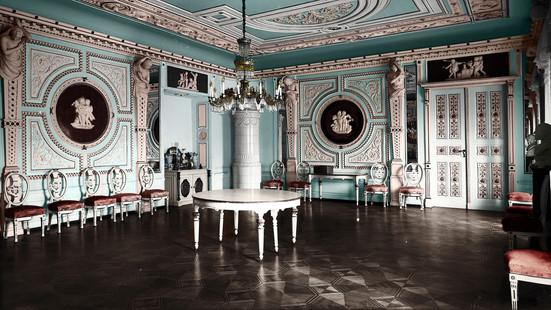 Sala balowa pałacu w Kopicach