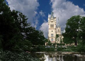 Pałac w Kopicach od strony południowej.