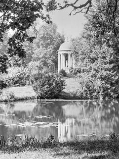 Dianas Hügel im Schlosspark Koppitz um 1930