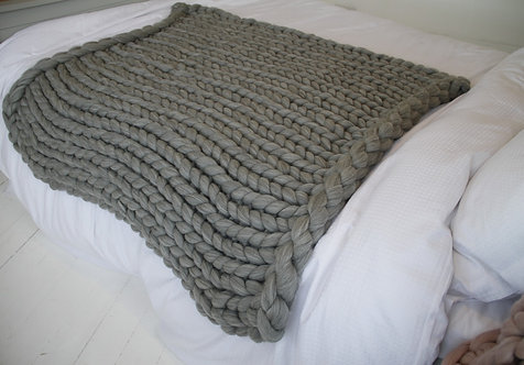 Merino Medium Blanket in Natural Grey