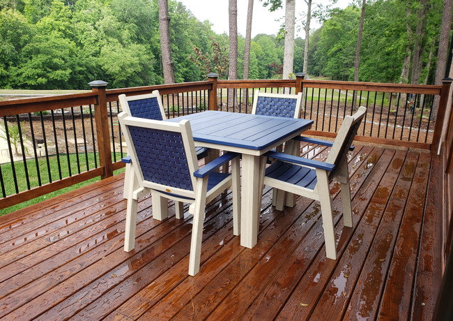 """Patriot Blue On Birch 42"""" Square Marina Dining Table With 4 Marina Chairs"""