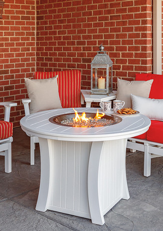 White Bayshore Loveseat, 2 Club Chairs With Connecting Table