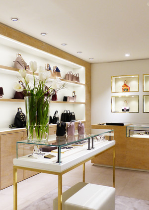 Aigner Retail Berlin L180.jpg