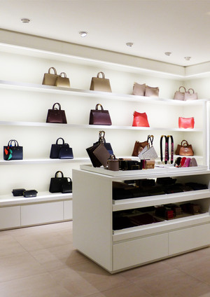 Aigner Retail Berlin L166.jpg