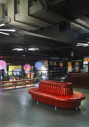 Yeanshalle Darmstadt013 Kopie.jpg