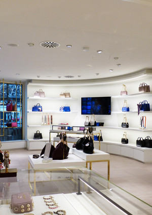 Aigner Retail Berlin L182.jpg