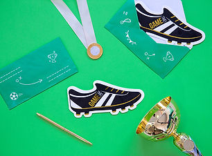 6-cartes-d-invitation-chaussures-de-foot