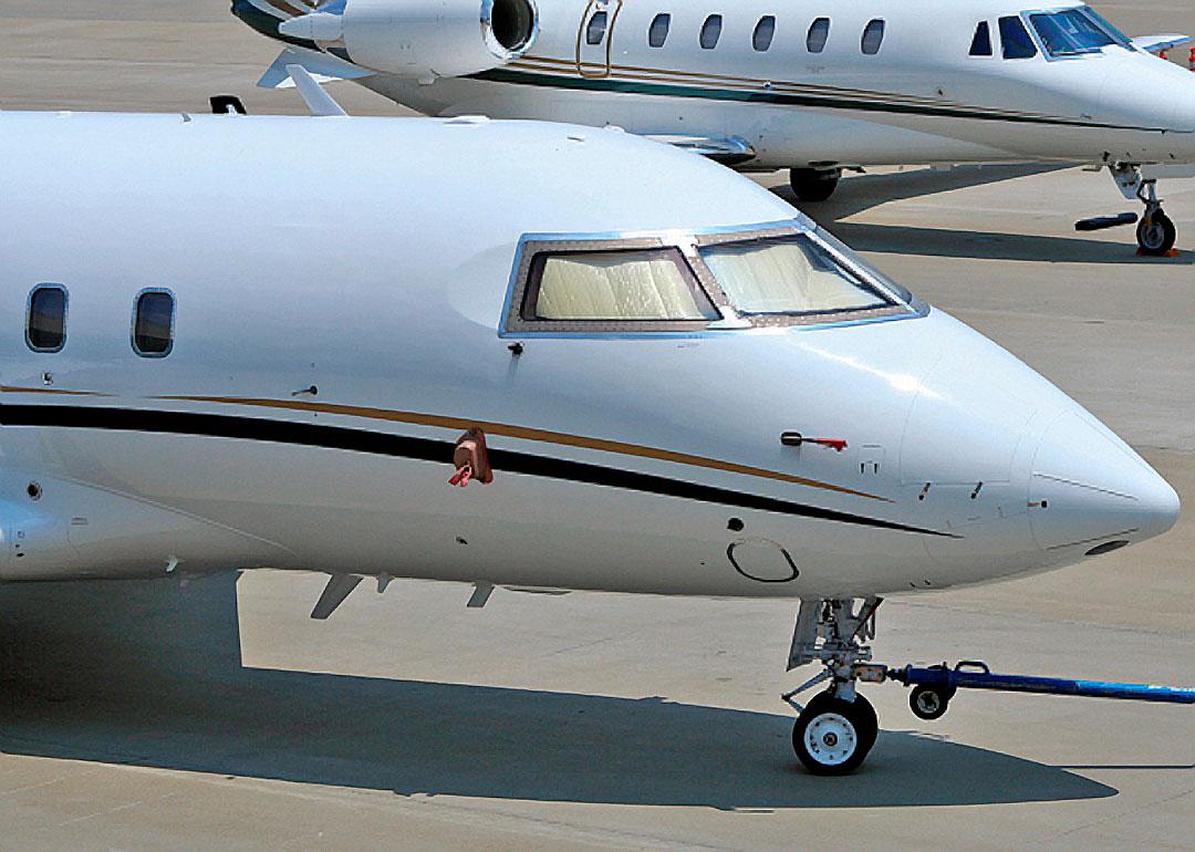Challenger 604 R/H Windshield P/N 604-33030-26