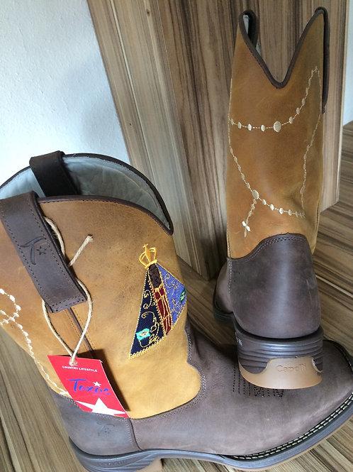 Bota Crazy Horse Café  bordada Nossa Senhora Aparecida
