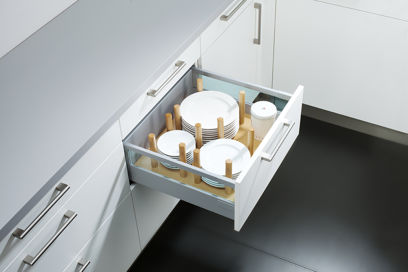 9 Drawer Box Adjustable Plate Rack