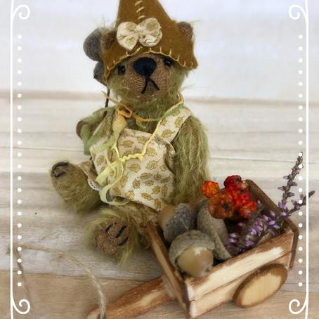 Hazel the foraging bear