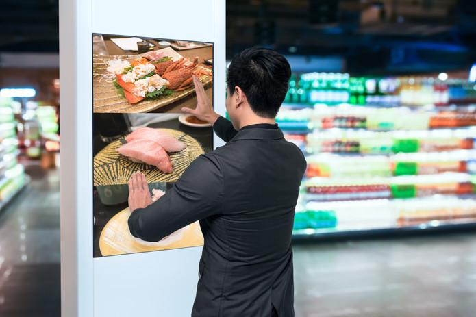 Señalización digital interactiva en centros comerciales