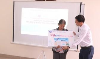 CEP chi nhánh TP Thuận An tặng sổ tiết kiệm cho người lao động hoàn cảnh khó khăn