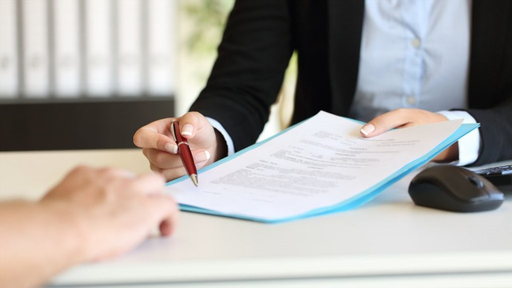 04 trường hợp được ký nhiều lần hợp đồng lao động xác định thời hạn từ 2021 - Ảnh 1.