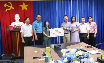 LĐLĐ tỉnh Bình Dương tiếp nhận gần 8,5 tỉ đồng ủng hộ đồng bào miền Trung bị ảnh hưởng bão lũ