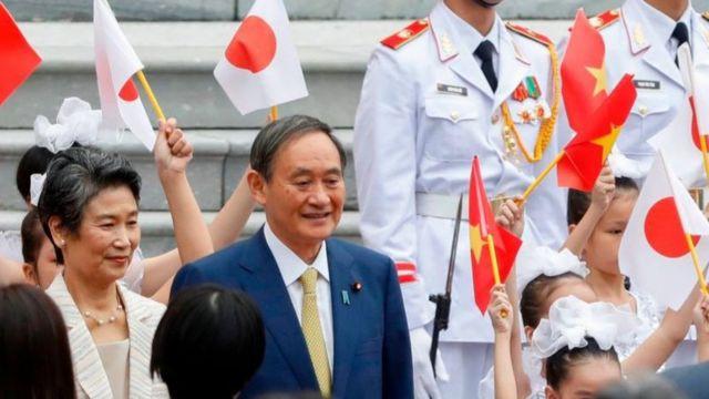 Đây là chuyến đi quốc tế đầu tiên của ông Suga trong cương vị lãnh đạo Nhật Bản.