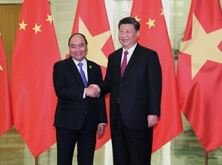 """Việt Nam cần làm gì để chống lại """"sự tấn công quyến rũ"""" của Trung Quốc"""