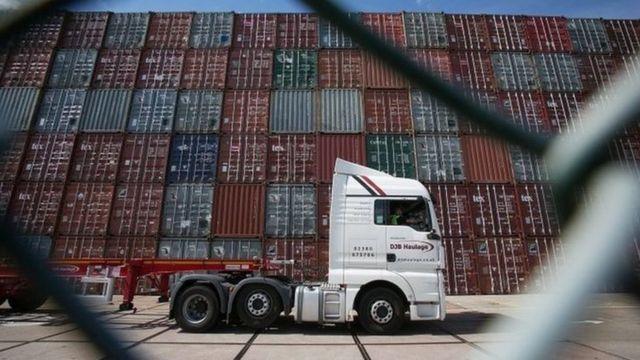 Kinh tế của châu Á phụ thuộc quá nhiều vào xuất khẩu.