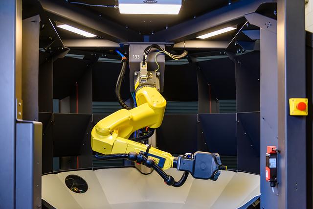 Robot và tự động hóa lên ngôi nhờ đại dịch COVID-19 - Ảnh 1.
