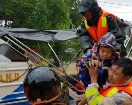 Bão lụt miền Trung Việt Nam: Người dân chưa thấy dấu ấn các lãnh đạo?
