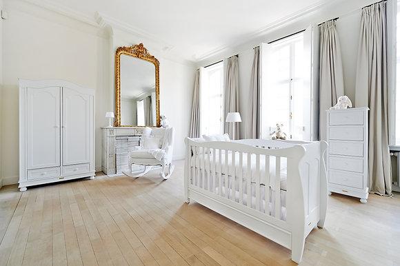 Theophile et Patachou Antique chambre bébé