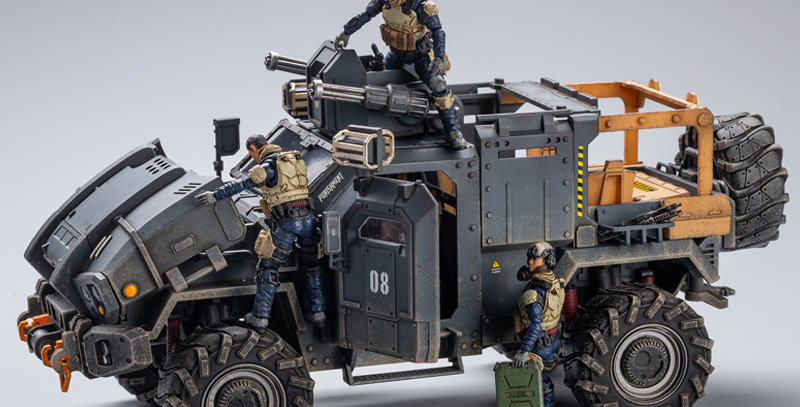 JoyToy Hardcore Coldplay Crazy Armed SUV 1/18 Scale Vehicle