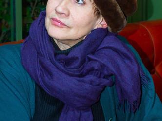 """Interview-portrait de Caroline Loeb réalisée à l'occasion de sa pièce """"Françoise par Sagan&"""