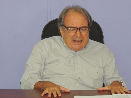O inferno astral de Cláudio Linhares, o prefeito Ficha-Suja