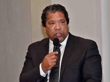 Julinho defende a regulamentação do Uber em Macaé