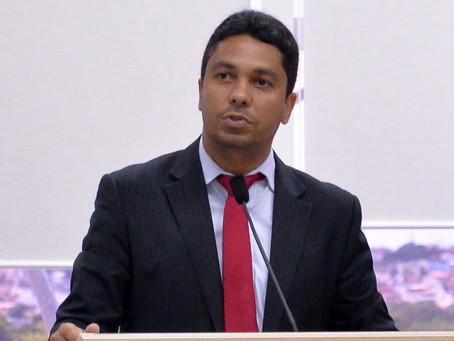 Câmara convoca secretário para explicar cortes em gratificações