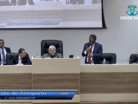Julinho se atrapalha na primeira semana como líder do governo Dr. Aluízio