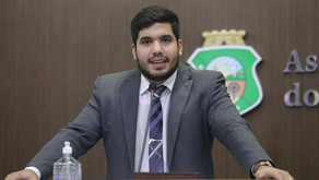 André Fernandes protocola PL que pune quem furar a fila da vacina contra a Covid-19 no Ceará
