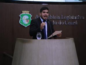 Projeto impede que condenados por estupro infantil possam exercer cargos públicos no Ceará