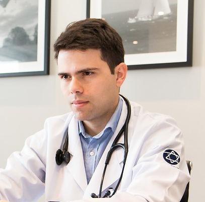 Pefil Dr. Fernando (8)_edited_edited.jpg
