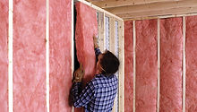 insulation contractor New Jersey (NJ) installing insulation