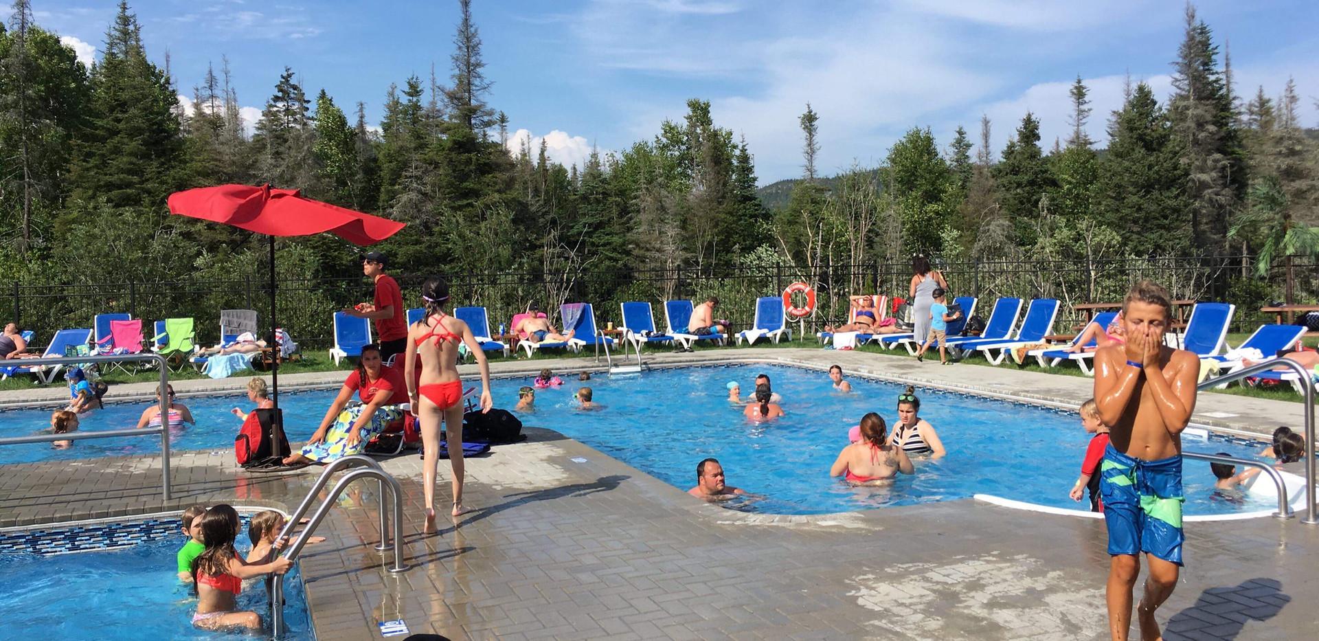 piscine-glissade-eau-camping-boreal-3.JP