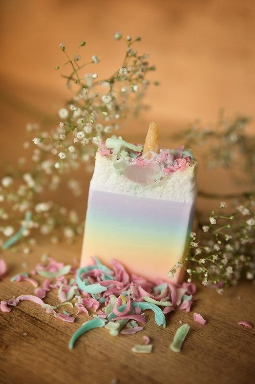 UNE boite saisonnière de savons fantaisies
