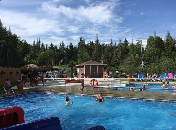 piscine-glissade-eau-camping-boreal-2.JP