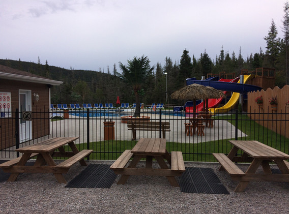 piscine-glissade-eau-camping-boreal-6.JP