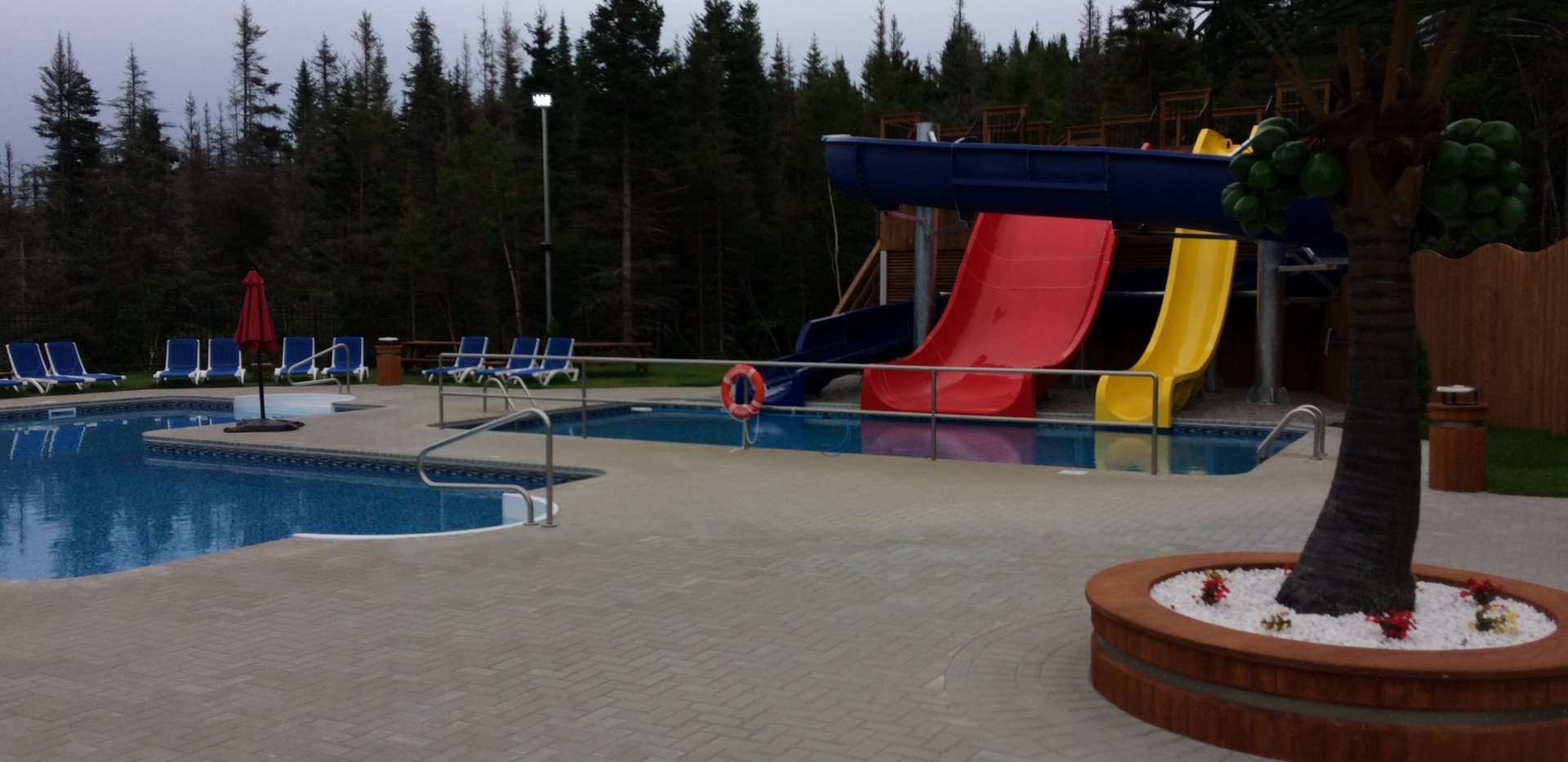 piscine-glissade-eau-camping-boreal-7.JP