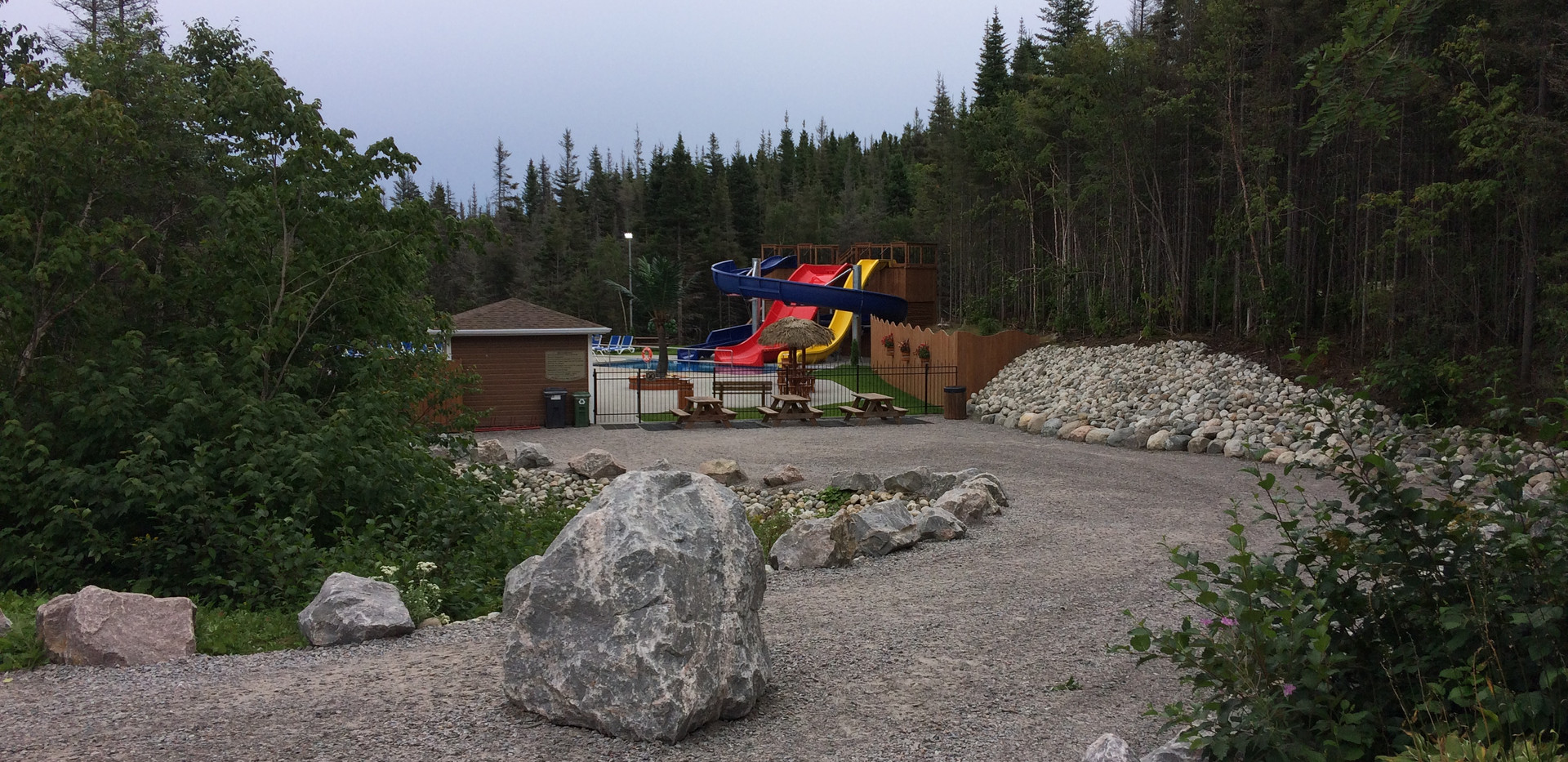 piscine-glissade-eau-camping-boreal-5.JP