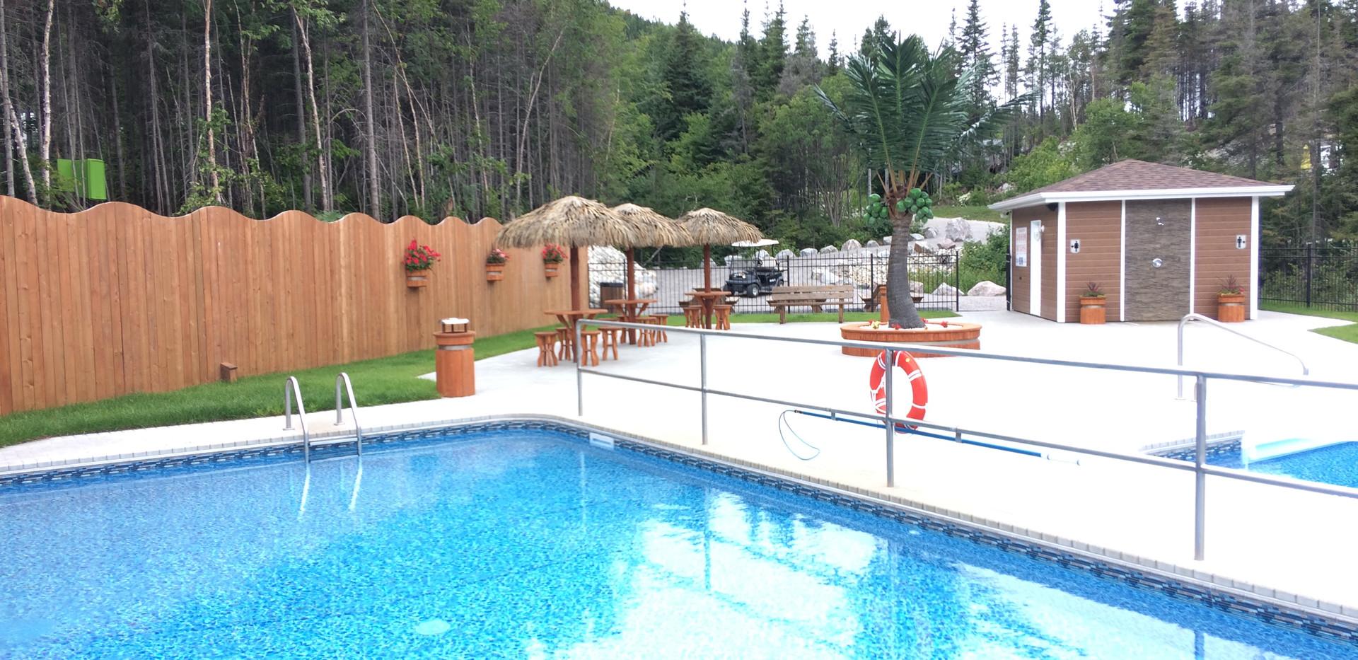 piscine-glissade-eau-camping-boreal-9.JP