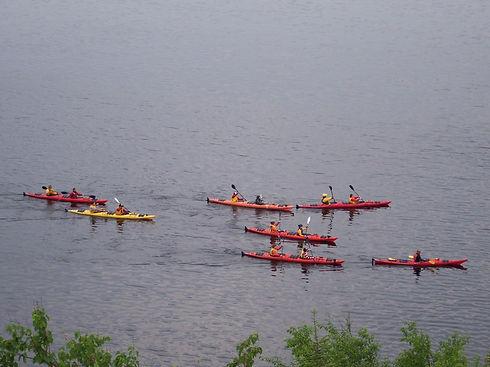 hotel_motel_coronet_kayak2.JPG