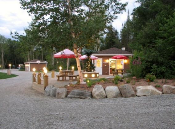 restaurant-camping-boreal.jpeg
