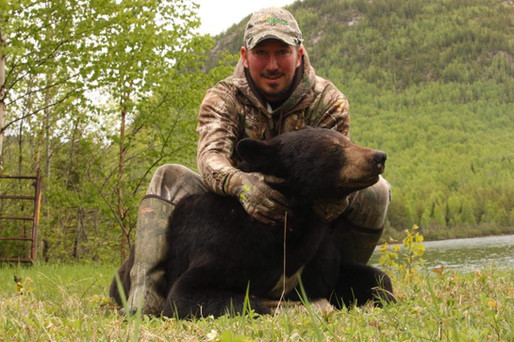 Pourvoirie_Larocheuse_Chasse_Ours_3.jpg