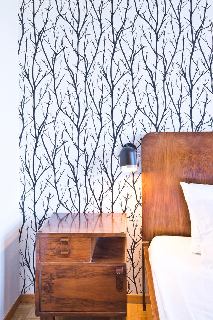 Room 23: Bedside