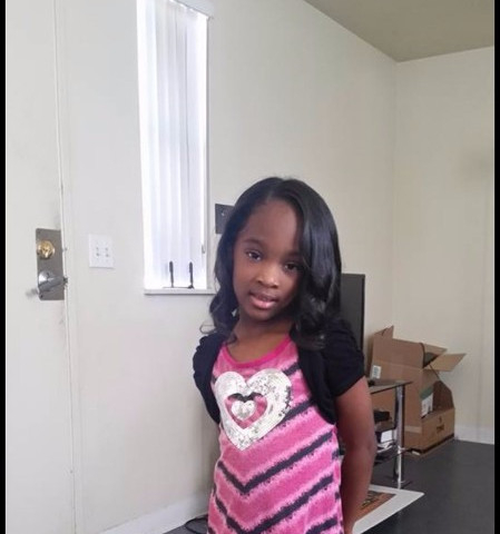 Jaliya Hickman 7 years old was residing with relatives at the time but mom pulled out of school. discovered naked in a car covered with white powder mom said hearing voices, 5 prior DCFS referrals