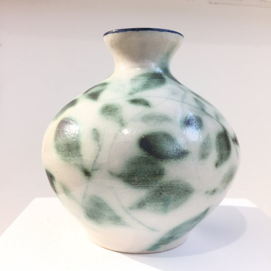 Leaf bud vase